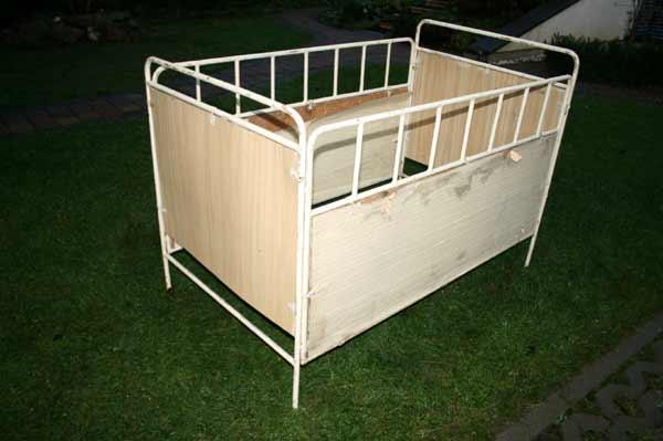 antikes kinderbett eisenbett krankenhausbett ebay. Black Bedroom Furniture Sets. Home Design Ideas