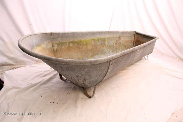 Formch ne antike badewanne zinkwanne wanne for Antike dekoration