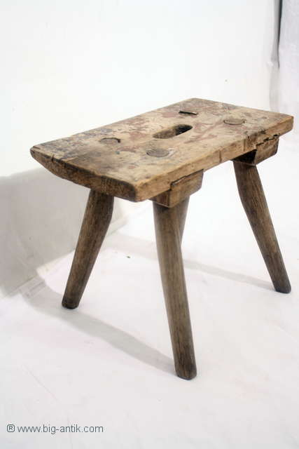 Schoener-uriger-Bauernhocker-Schemel-Holzhocker-Antique-Farmer-Stool-Wood