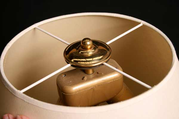 wundersch ne stehlampe raumleuchter mit gro em schirm inkl 2 sparlampen ebay. Black Bedroom Furniture Sets. Home Design Ideas