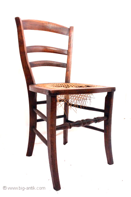 zauberhafter antiker wirtshausstuhl weinkellerstuhl stuhl geflecht saebelbeine ebay. Black Bedroom Furniture Sets. Home Design Ideas