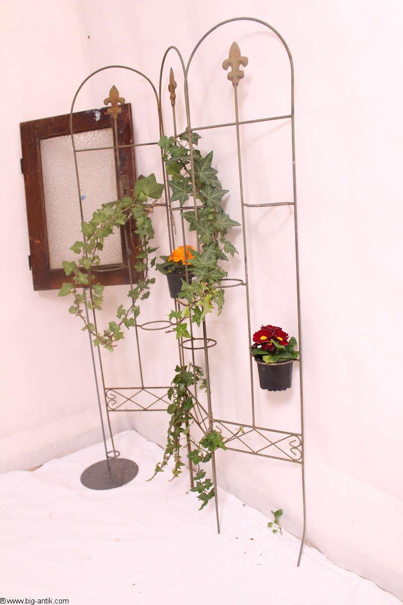 Wundersch nes blumengitter pflanzengitter aus metall for Gunstige gartendekoration